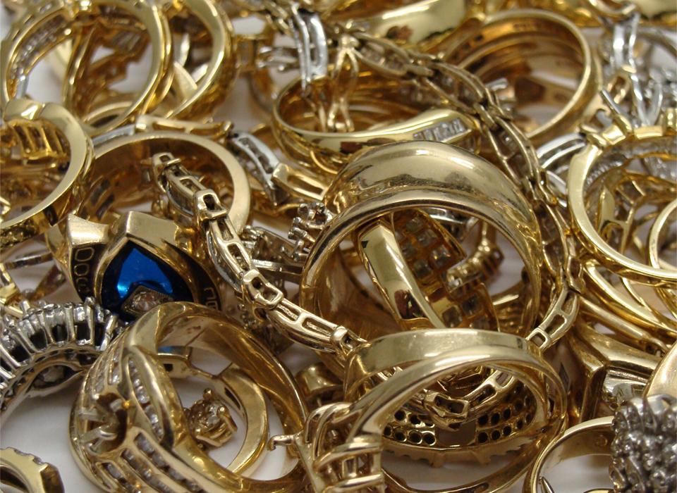 Buy & Loan On Gold Jewelry